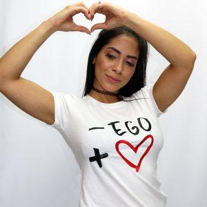 mas amor, menos ego, camiseta